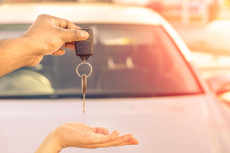 Car-keys-hands-car