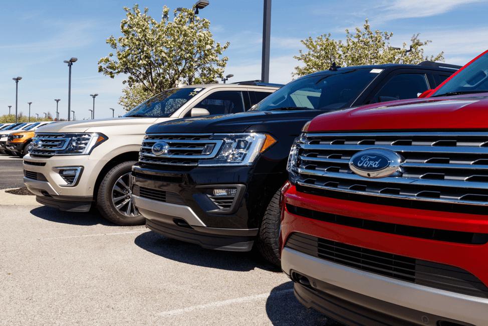 Ford-trucks-car-lot