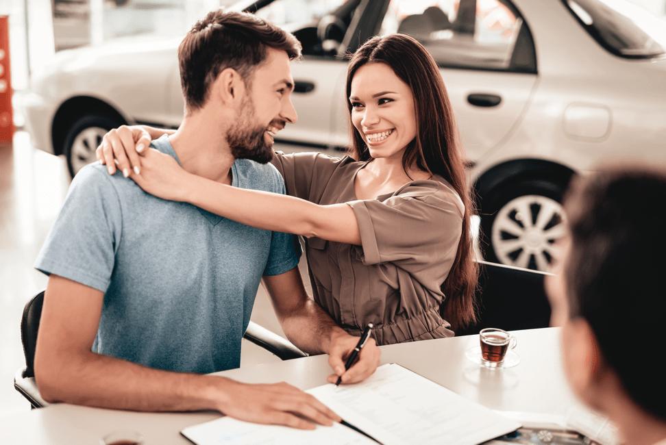happy-couple-purchase